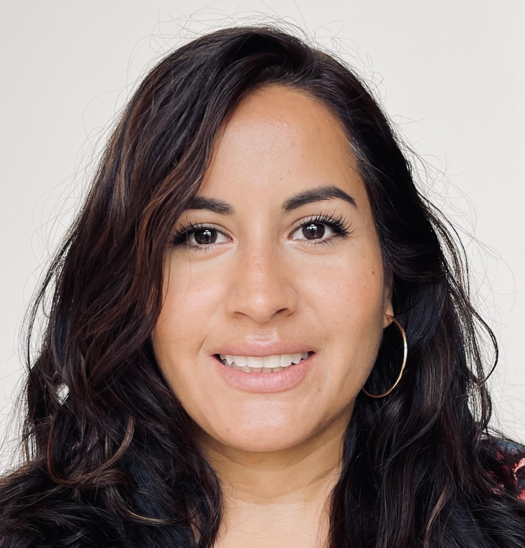 <center>Pilar Alzamora </center>